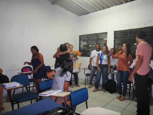 a turma de Açúcar e Álcool da UNITEC, fez uma festa surpresa de aniversário para a professora Luma
