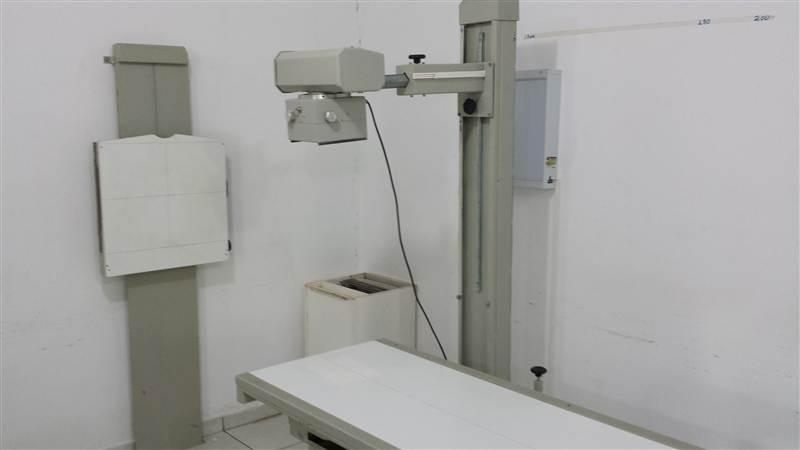 Laboratório de Radiologia da UNITEC Escolas Integradas Ltda. Aula prática da  disciplina posicionamento do Curso Técnico em Radiologia, com o professo
