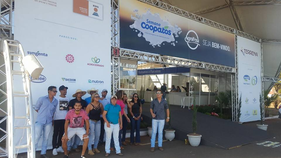 Alunos do curso Técnico em Agropecuária na 9° semana da Coopatos em Patos de Minas.
