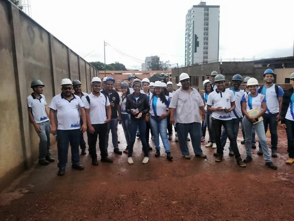 Visita técnica com os alunos do curso técnico em Edificações