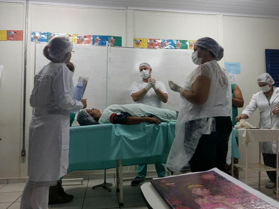 Trabalho realizado pelos alunos do curso de Instrumentação Cirúrgica. Apresentação do check-list de verificação de segurança cirúrgica da OMS