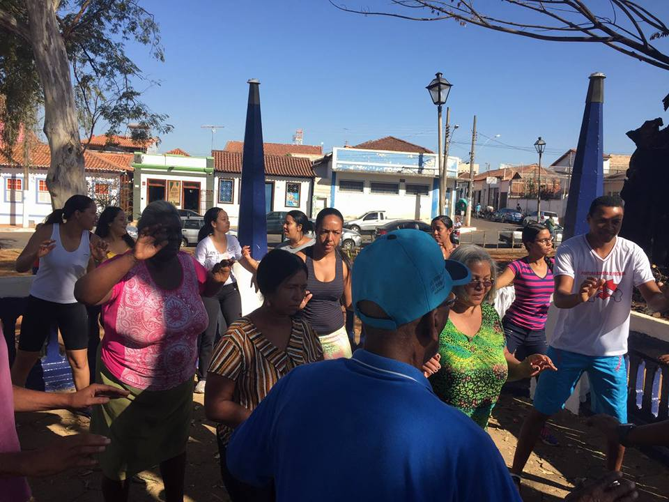 Dia de atividades físicas realizado com os participantes do CAPS e os estagiários do curso técnico em Enfermagem.